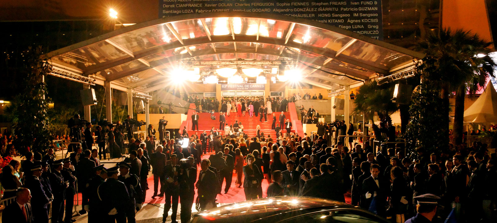 La montée des marches au Palais des Festivals de Cannes pendant le Festival du Film
